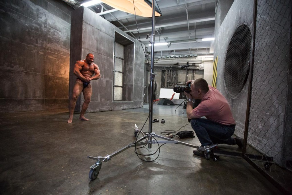 Фитнес фотосессия в студии для Дмитрия Голубочкина
